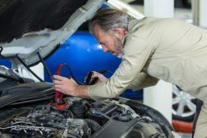 7 סיבות שיכולים לרוקן את מצבר הרכב